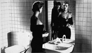 Donna allo specchio - Helmut Newton