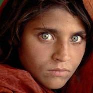 Volto di bimba con occhi verdi – Steve McCurry
