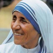 """""""L'amore comincia prendendosi cura di quelli più vicini. Quelli che sono a casa."""" (Madre Teresa)"""