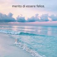 """""""Ripeti dopo di me: merito di essere felice."""" (Najwa Zebian)"""